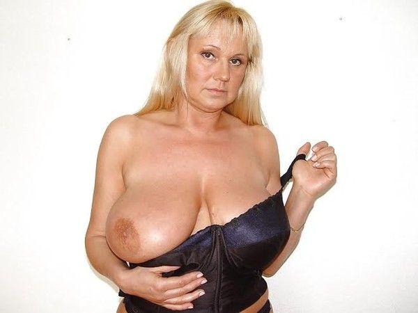 Gros porno mature aux gros seins