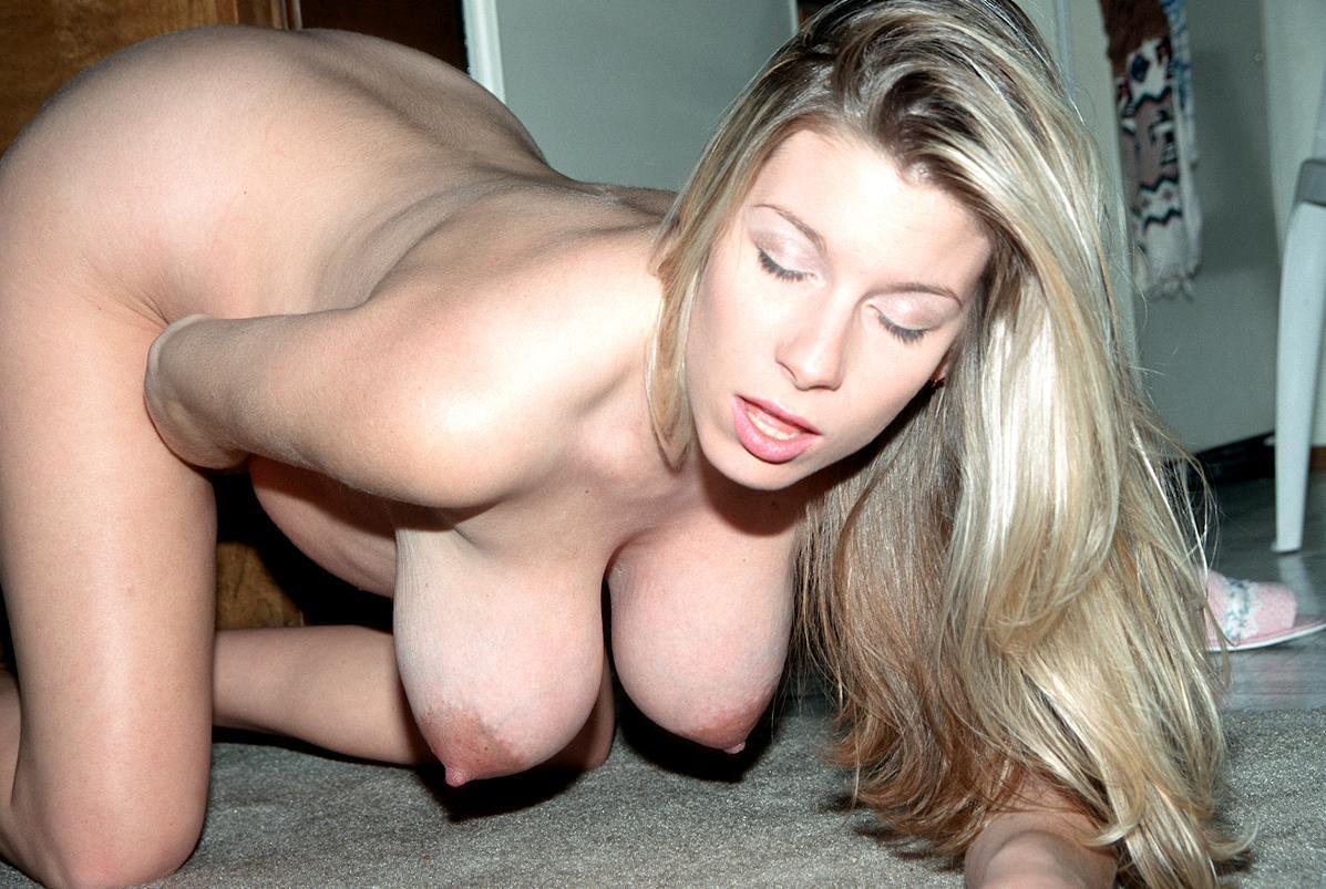 Обвисшая грудь с большими сиськами фото сиськи зрелых